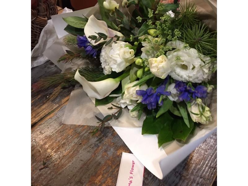 화이트 블루 꽃다발.JPG